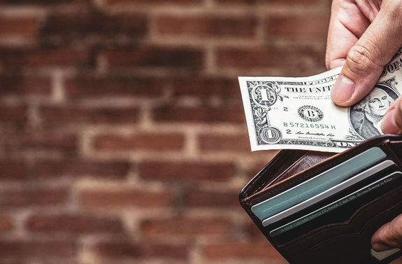 New Jersey bans cashless businesses